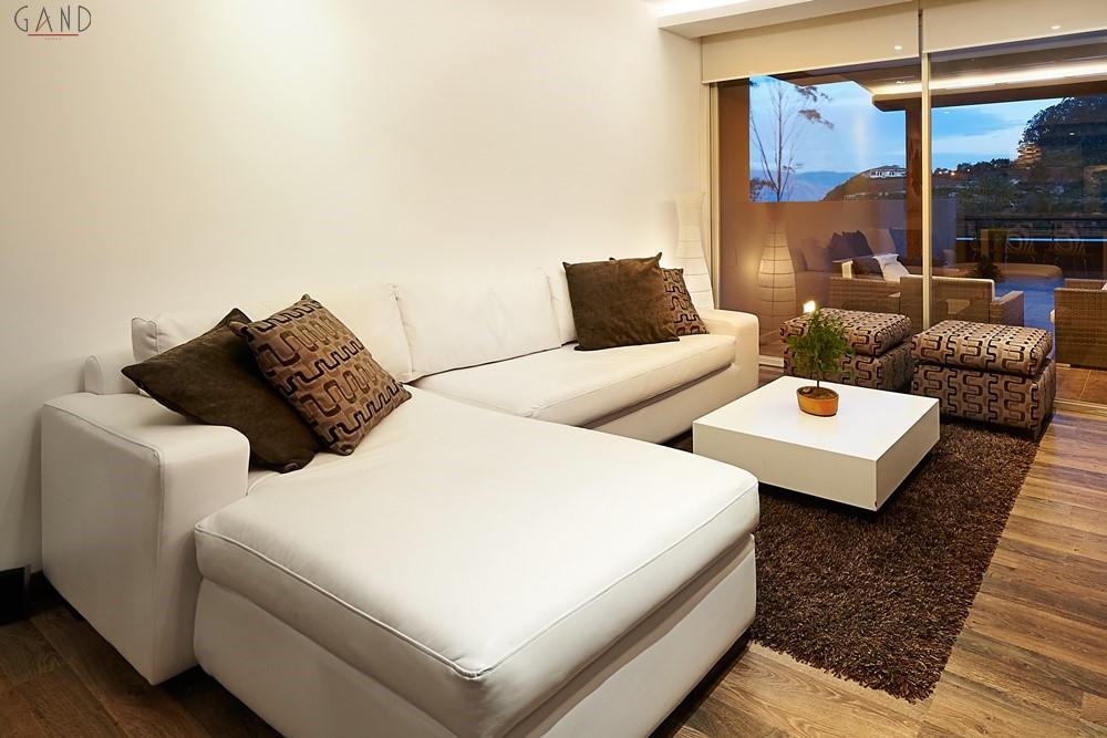 σαλόνι brown