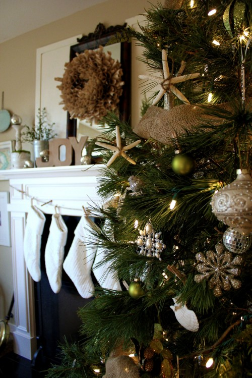 coastal-christmas-decorating-book-page-wreath-white-stockings-e1343851003777