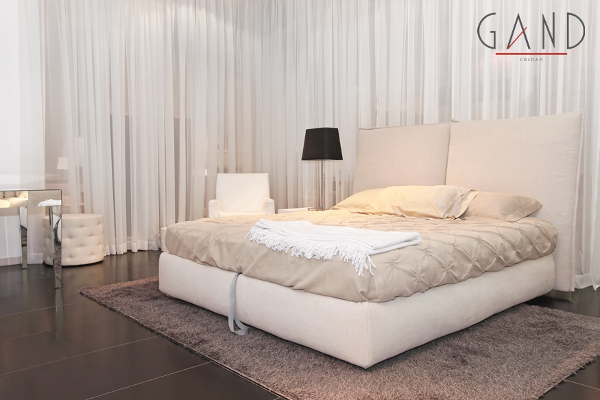 επενδύμενο κρεβάτι λευκό